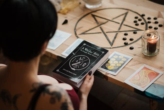 Cómo reconocer a una buena Santeria Botanica en Chicago explicar ritual